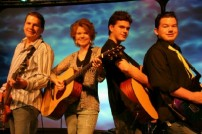 FAMILY GUITARS CLOSE IMG_0327 WEB