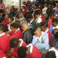 SAT-kidsPraying